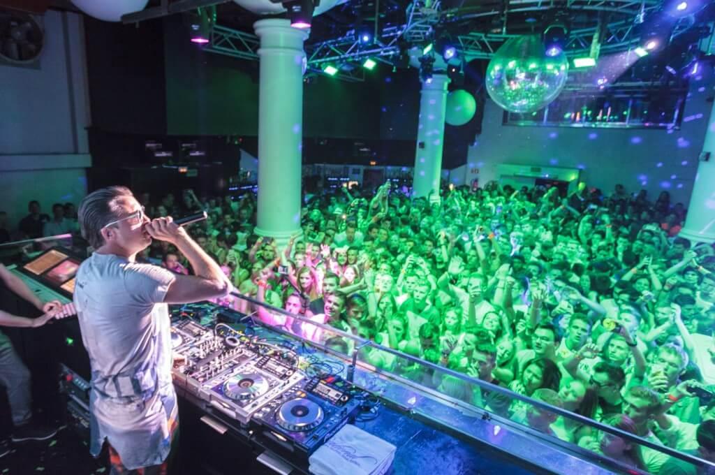 DJ Antonie ruf Reisen Star Weeks
